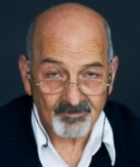 Jorge A. Flechter1